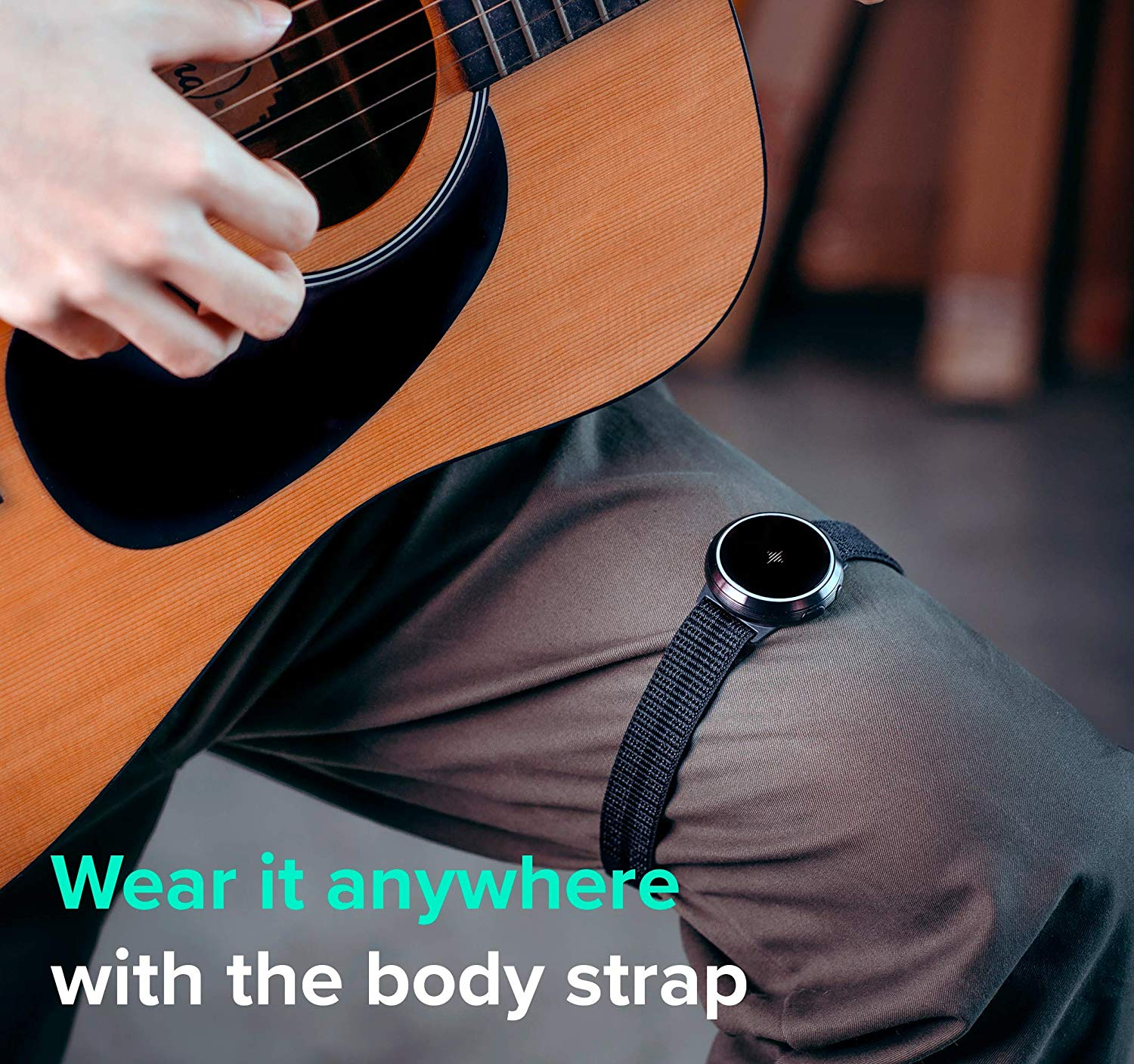 The Soundbrenner Core 4-in-1 Wearable Music Tool being worn on a Musician's Thigh